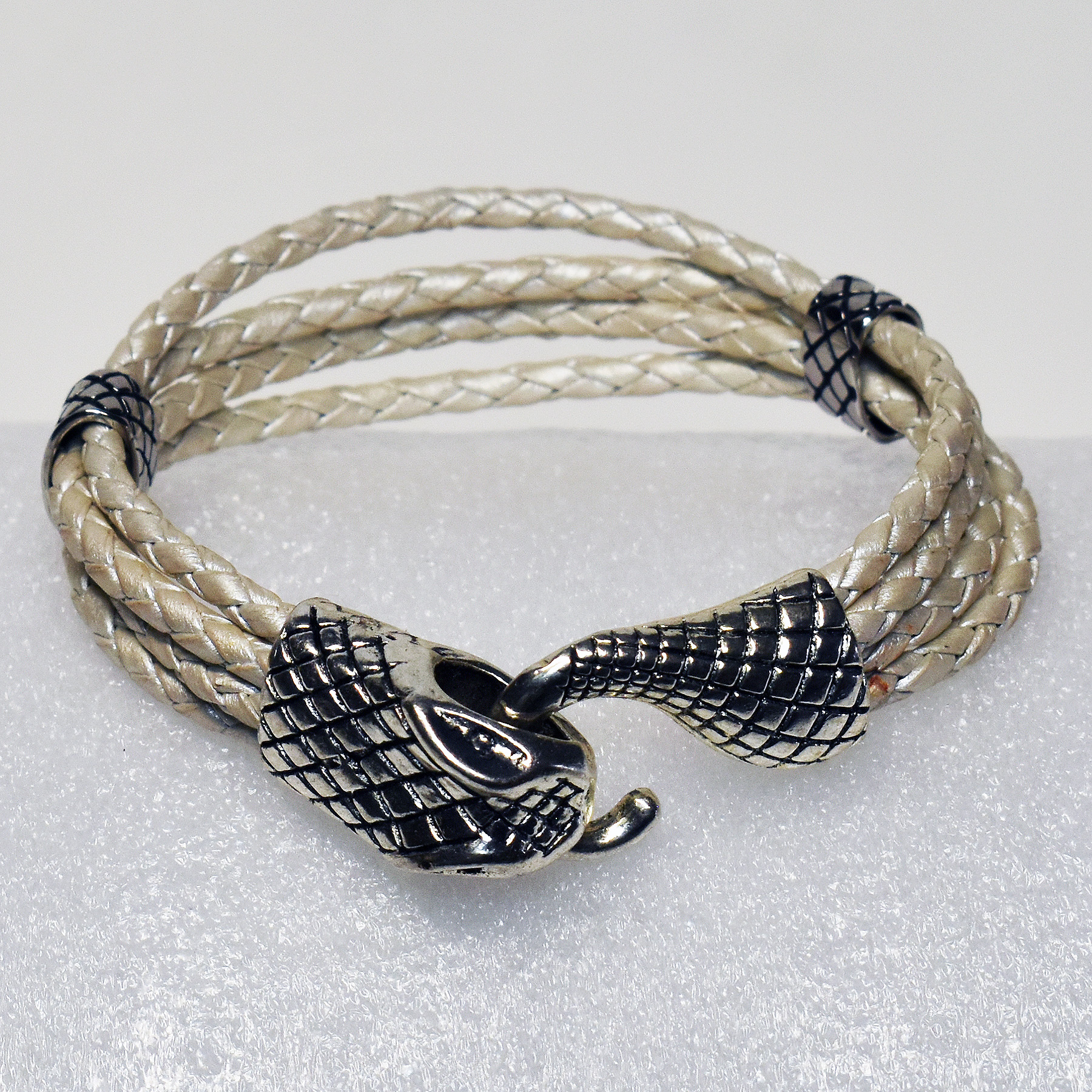 JekylsHydes_Bracelets__0016_011A